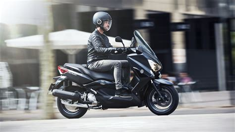 2016 Yamaha X-Max 400 / 250 / 125 Iron Max, Now Appear