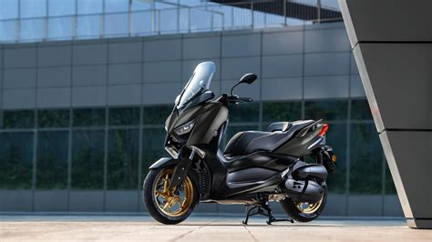 XMAX 125 Tech MAX - Chelsea Motorcycle Group